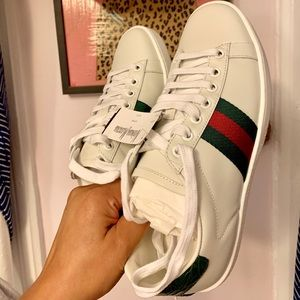 AUTHENTIC Gucci Sneakers (see tag still attached)